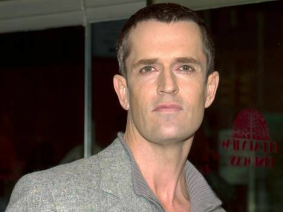 """NEW YORK - DECEMBER 15:  Actor Rupert Everett arrives at the premiere of the film, """"The Wild Thornberries"""" December 15, 2002 in New York City.  (Photo by Lawrence Lucier/Getty Images)  / ALL OVER PRESS Foto: All Over Press"""