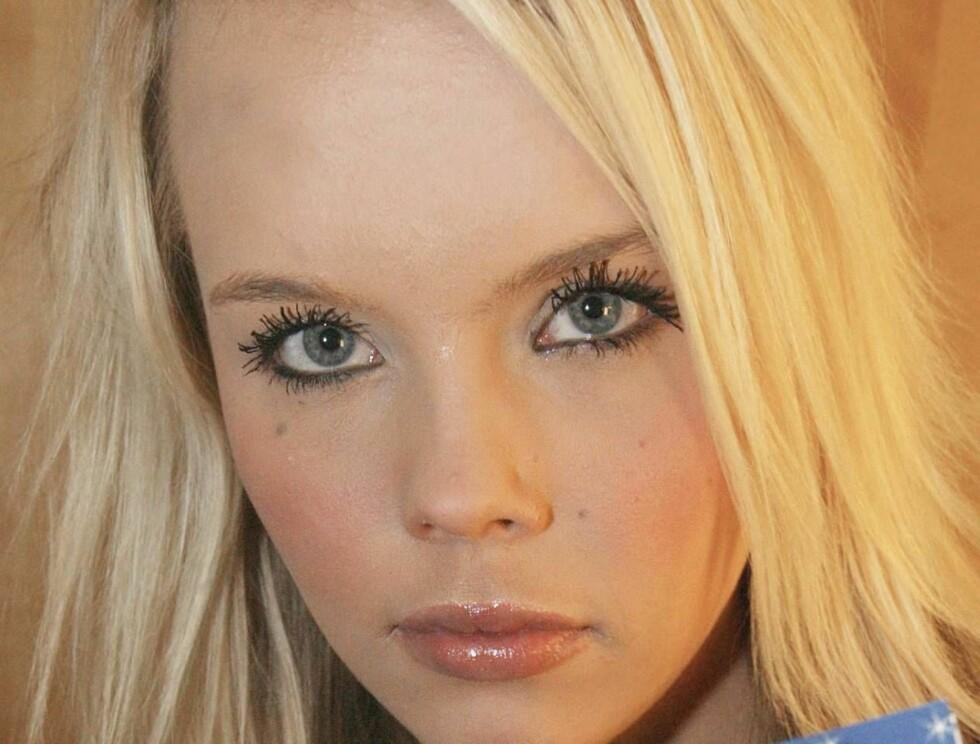 Charlotte Fredriksen (18) fra Oslo er jenta som gikk til sengs med Robbie Williams sist gang han var i hovedstaden - i november 2003. Nå forteller hun alle de intime detaljene. Foto: Jan-Petter Dahl. Foto: Se og Hør