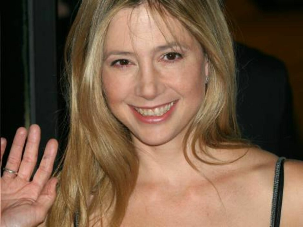 NEW YORK 2006-09-26  Mira Sorvino at The Departed Premiere held at Ziegfield Theater, New York.  Photo: Colin Knight/jpistudios  Code: 4036  COPYRIGHT STELLA PICTURES Foto: STELLA PICTURES