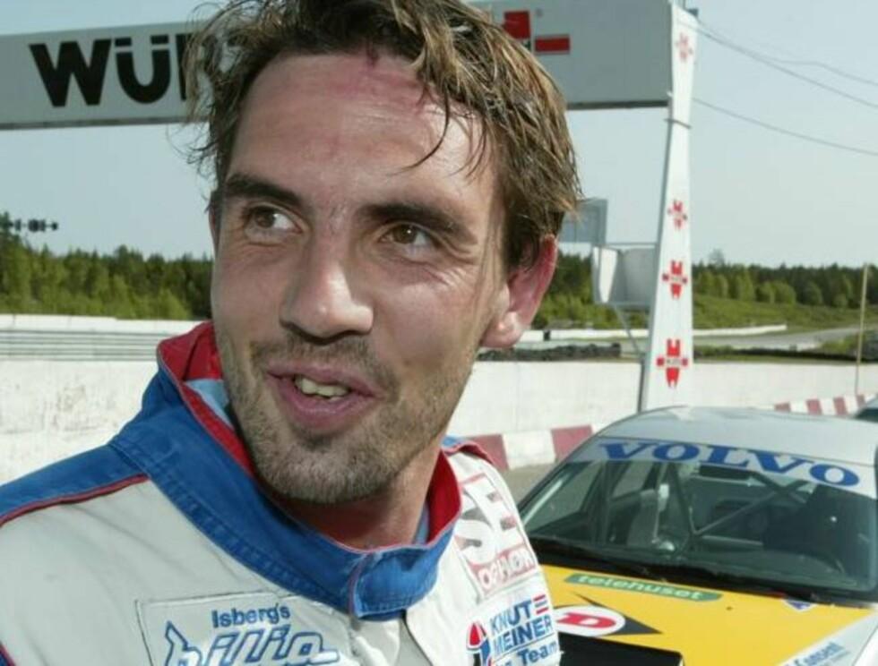 KARRIERESKIFTE: Claus Lundekvam elsker fart og spenning og leker med tanken på å bli racerbåtkjører. Foto: Se og Hør