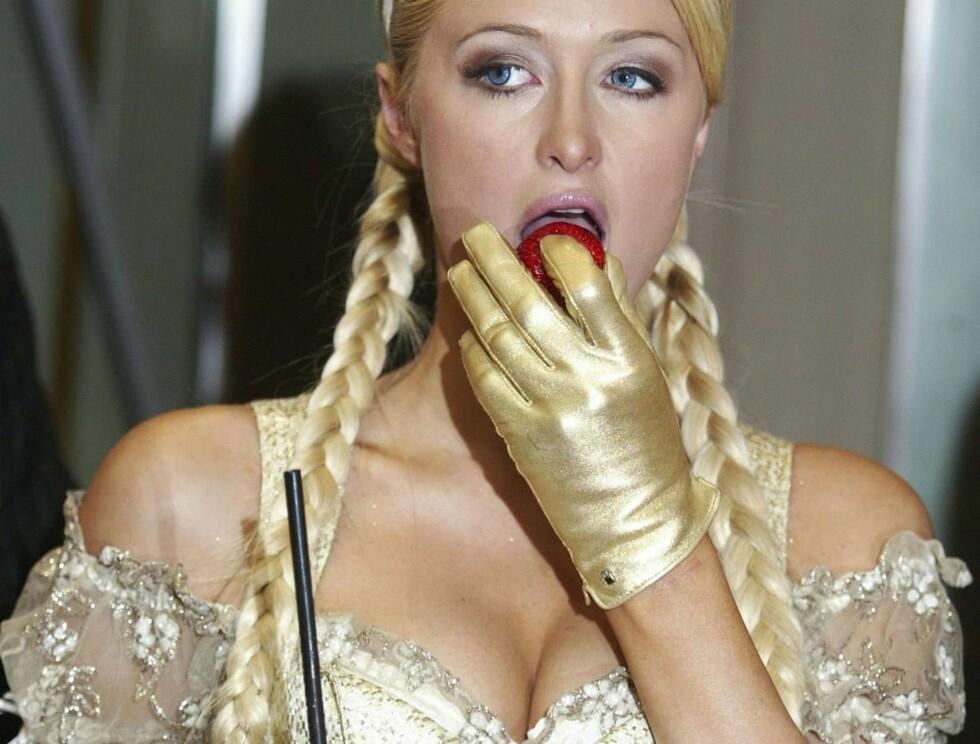 I HARDT VÆR: Det er dumt å drikke på tom mage. Det har Paris Hilton bitterlig erfart. Foto: All Over Press