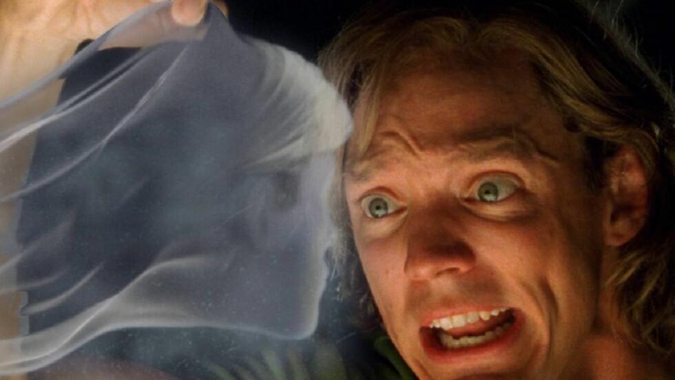 SKUMMELT: Familien trodde det var et lik som dukket opp på døren deres! (Illustrasjon) Foto: Courtesy of Warner Bros.