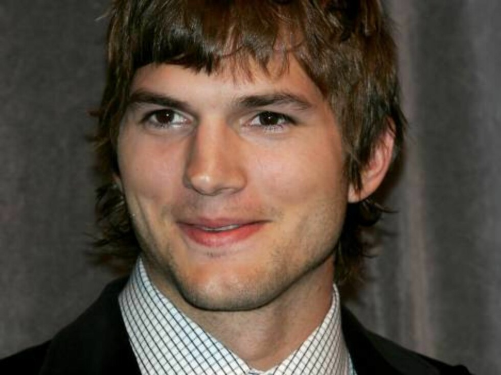 Skuespilleren og komikeren Ashton Kutcher har også en tvillingbror som hater oppmerksomhet; Michael. Foto: All Over Press