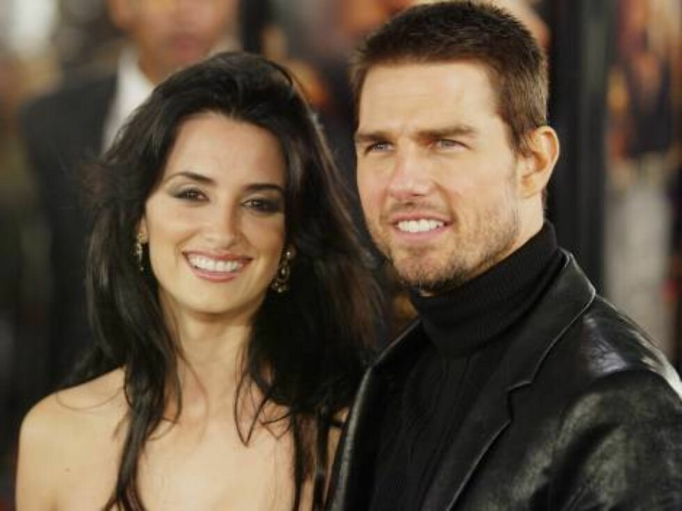 """LOS ANGELES - DECEMBER 1:  Penelope Cruz and Tom Cruise attend the WB's premiere of """"The Last Samurai"""" at the Mann's Village Theatre, December 1, 2003 in Los Angeles, California.  (Photo by Carlo Allegri/Getty Images) / ALL OVER PRESS *** Local Caption ** Foto: All Over Press"""