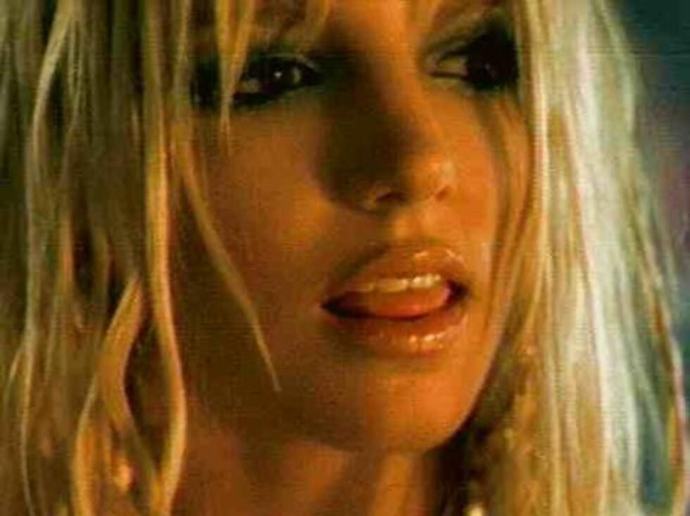 """8. Britney Spears' """"Slave 4 you"""". Foto: Fra videoen"""