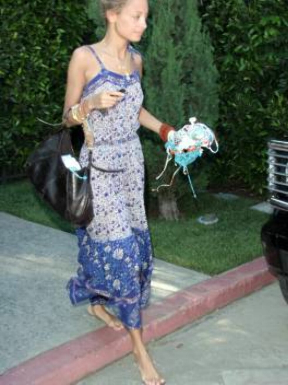 Nicole Richie leaving a friend's house barefoot june 3, 2006 X17agency exclusive / ALL OVER PRESS Foto: All Over Press