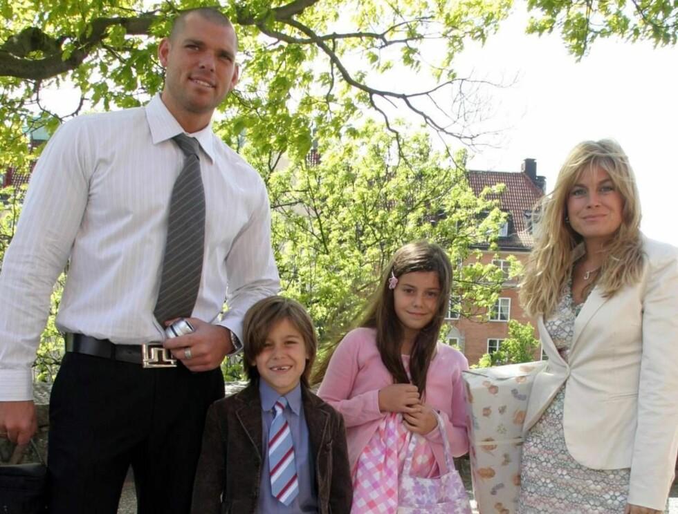 STEFAR: Pernilla sammen med kjæresten og to av sine barn fra et tidligere forhold, Biancha og Benjamin. Foto: Stella Pictures