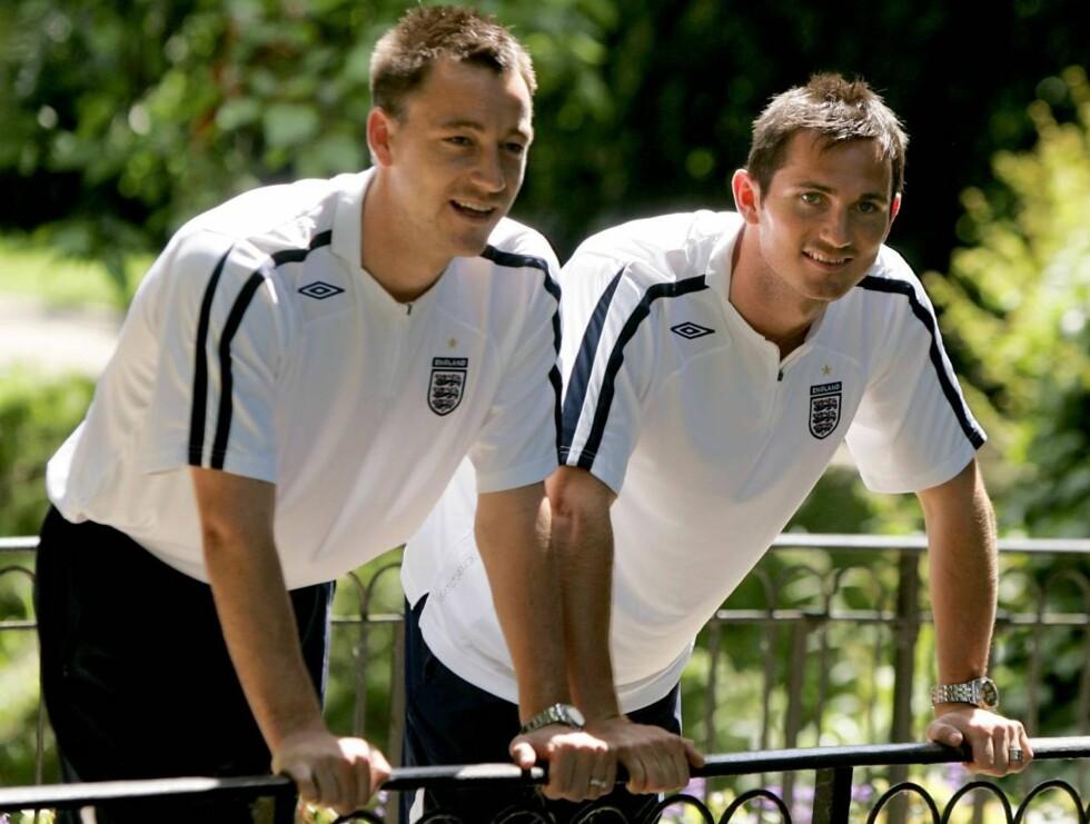 TIL FILMEN: John Terry og Frank Lampard skal vise seg frem i India. Foto: AP