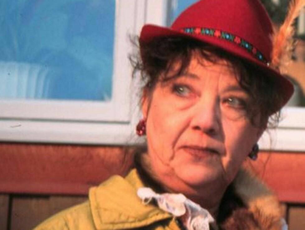 HOVEDROLLE: Grethe Kausland gjør comeback som Mamsen. Her i en scene fra TV-serien. Foto: NRK