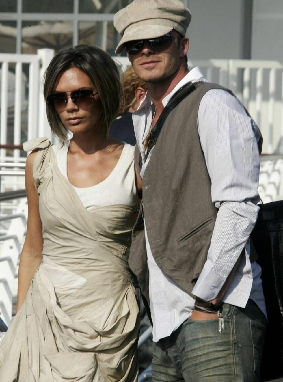 NYE NABOER: Posh og Becks får ikke nok av kjendislivet. Nå jakter de på berømmelse i Australia. Foto: All Over Press