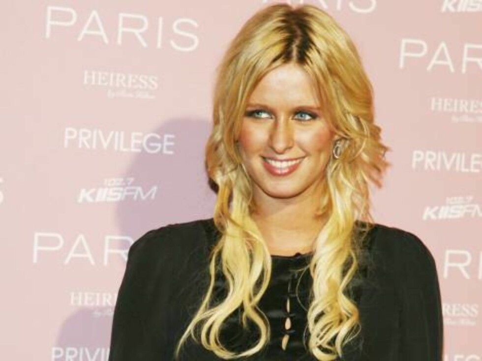 LOS ANGELES - AUGUST 18:  Socialite Nicky Hilton arrives at Paris Hilton's debut cd release party at Privlage on August 18, 2006 in Los Angeles, California. (Photo by Kevin Winter/Getty Images) *** Local Caption *** Nicky Hilton  * SPECIAL INSTRUCTIONS: Foto: All Over Press