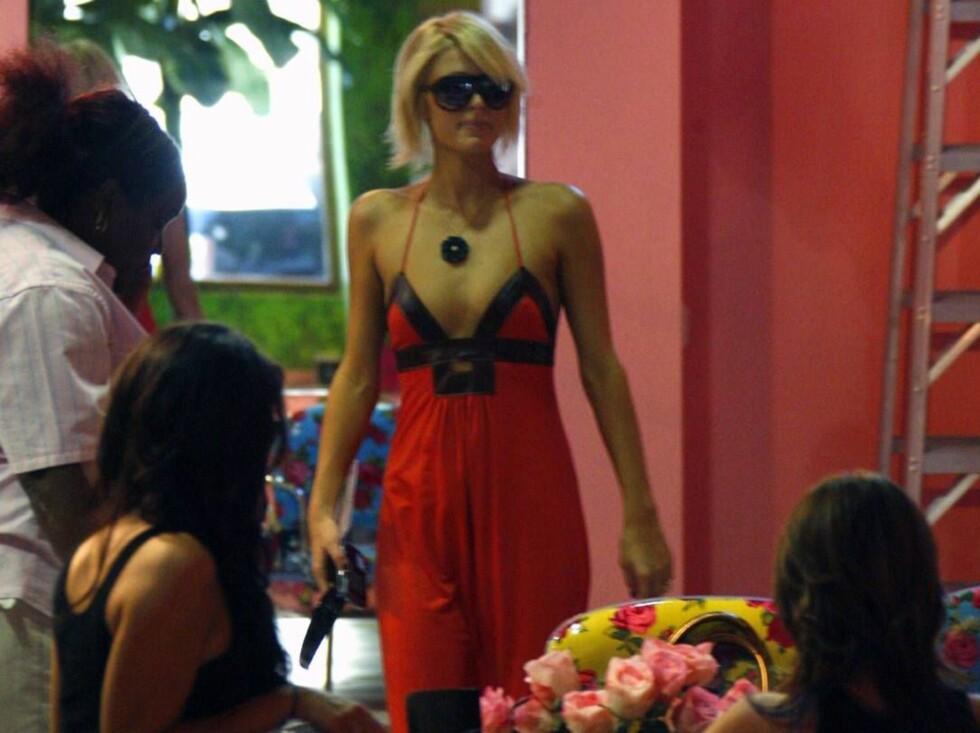 SHOPPINGDRONNINGEN: En shoppingtur for Paris Hilton, blir den reneste reklamekampanje for butikkene hun velger. Det betaler seg... Foto: STELLA PICTURES