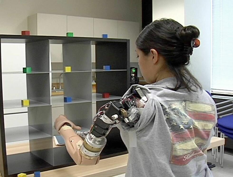 NYTT LIV: Claudia gleder seg over at hun endelig kan jobbe med begge hender igjen. Foto: AP