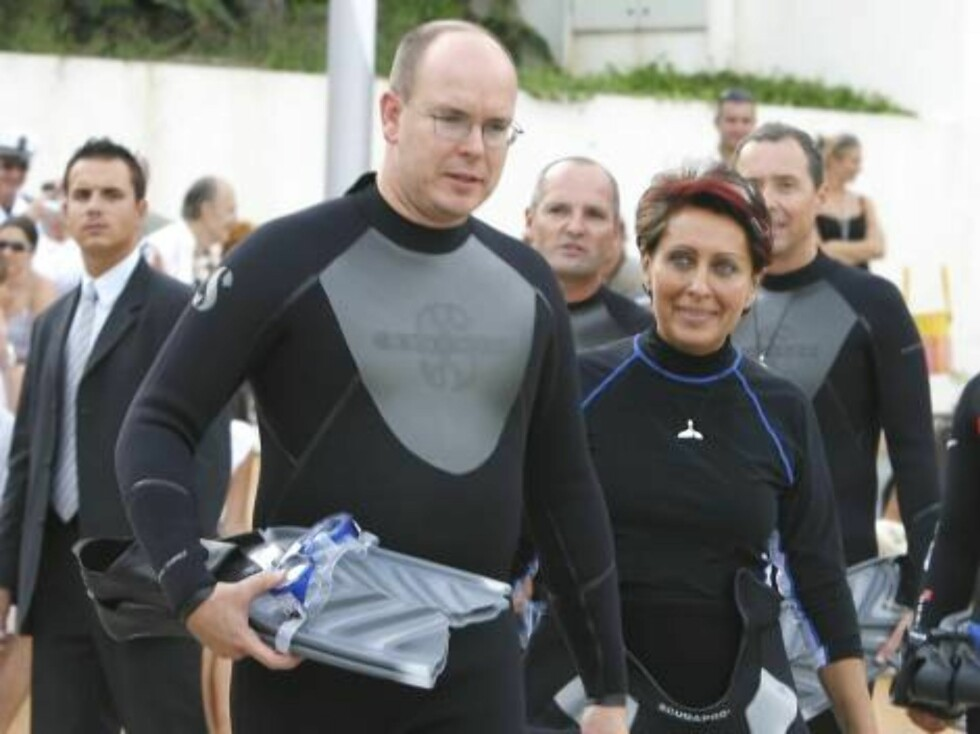 Prince Albert II of Monaco with godmother of the event, Italian countess Maria Ghilla di Canossa, the diver Pierre Frolla, Director of the Oceanographic Museum of Monaco, Mr Francois Doumenge and Mrs Christine Van Klaveren executive segretary of ACCOBAMS Foto: Stella Pictures