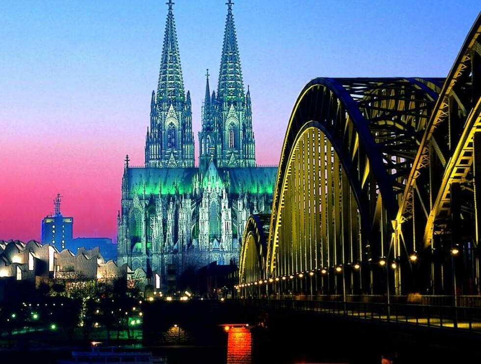 LANDEMERKE: Katedralen i Köln er byens store stolthet. Grunnstenen ble lagt 15. august 1248, men den sto først ferdig i 1880.