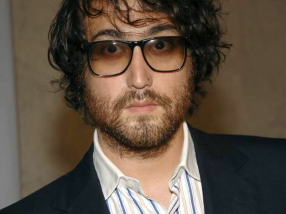 NEW YORK - SEPTEMBER 14: Sean Lennon attends Francisco Costa's Spring 2007 Calvin Klein Collection for Women after party on September 14, 2006 in New York City.  (Photo by Andrew H. Walker/Getty Images) *** Local Caption *** Sean Lennon  * SPECIAL INSTRUC Foto: All Over Press