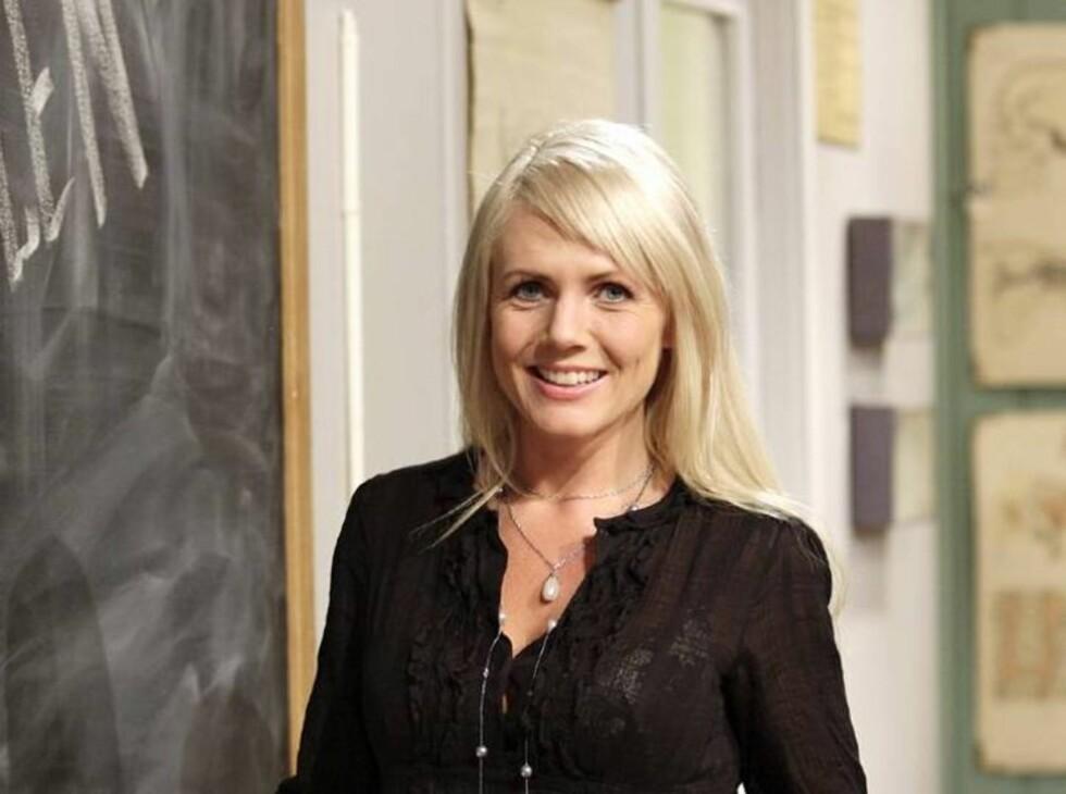 SKOLE-SEX: Kristin Spitznogle har sex-skole på TV3. Foto: TV3