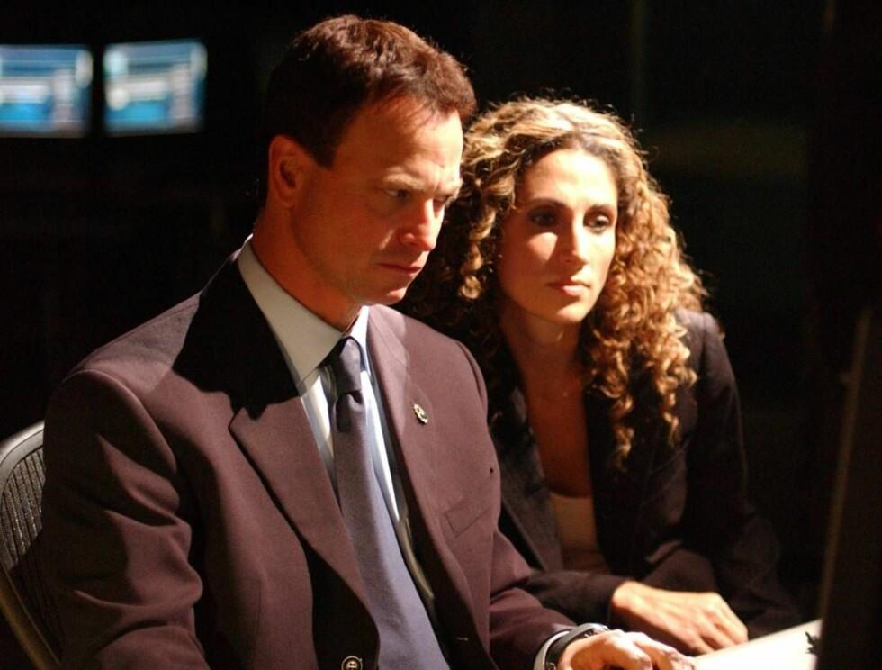 GUFFENT FUNN: Hovedrolleinnehaverne Gary Sinise og Melina Kanakaredes var ikke tilstede da liket ble funnet. Foto: CBS