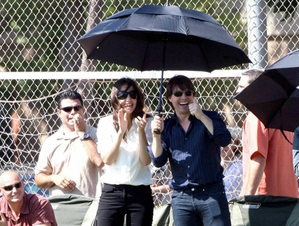 KOM IGJEN: Tom og Katie får opp stemningen på banen! Foto: All Over Press