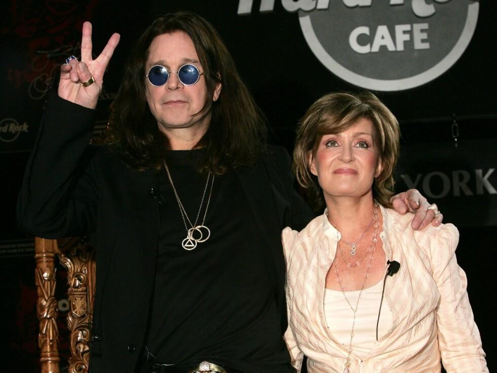 KJÆRE: Til tross for et heller turbulent forhold, er Ozzy og Sharon svært forelsket. Foto: All Over Press