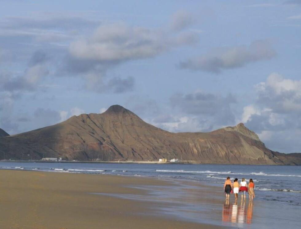 NESTEN ENDELØS: Stranden er ni kilometer lang og 150 meter på sitt bredeste. Foto: Vidar Engum