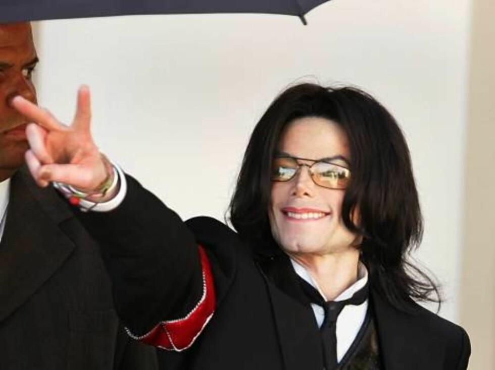 Michael Jackson tror på seier i rettsalen. Det ble det jo nesten også. Foto: All Over Press