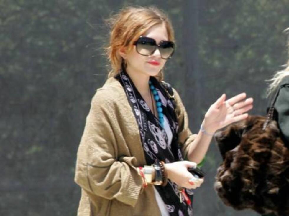 Mary-Kate Olsen ligner i det minste på en fredsaktivist. Foto: All Over Press