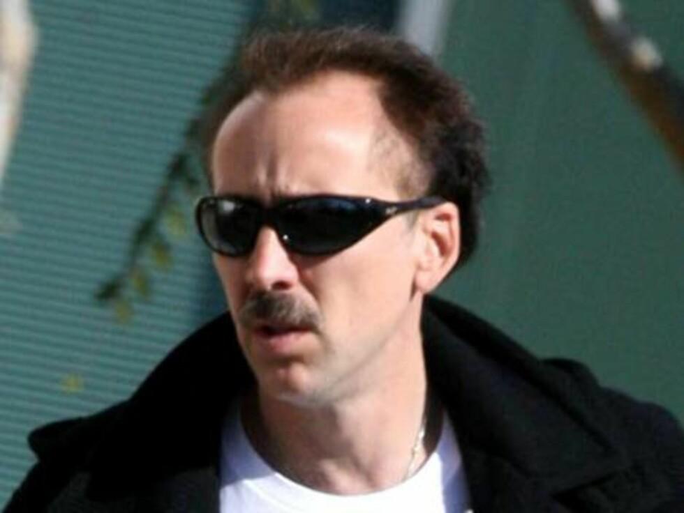 Skuespilleren Nicolas Cage med en frekk bart. Foto: All Over Press