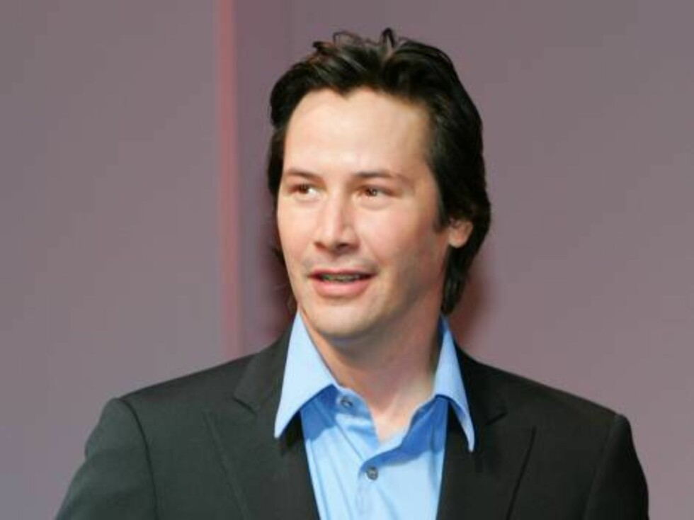 """Hollywood actor Keanu Reeves appears at a press conference in Tokyo Tuesday,  Sept. 5, 2006. Reeves along with his co-actor Sandra Bullock are in Tokyo for the Japan Premiere of their latest film """"The Lake House.""""  Argentine-born director Alejandro Agrest Foto: AP/Scanpix"""