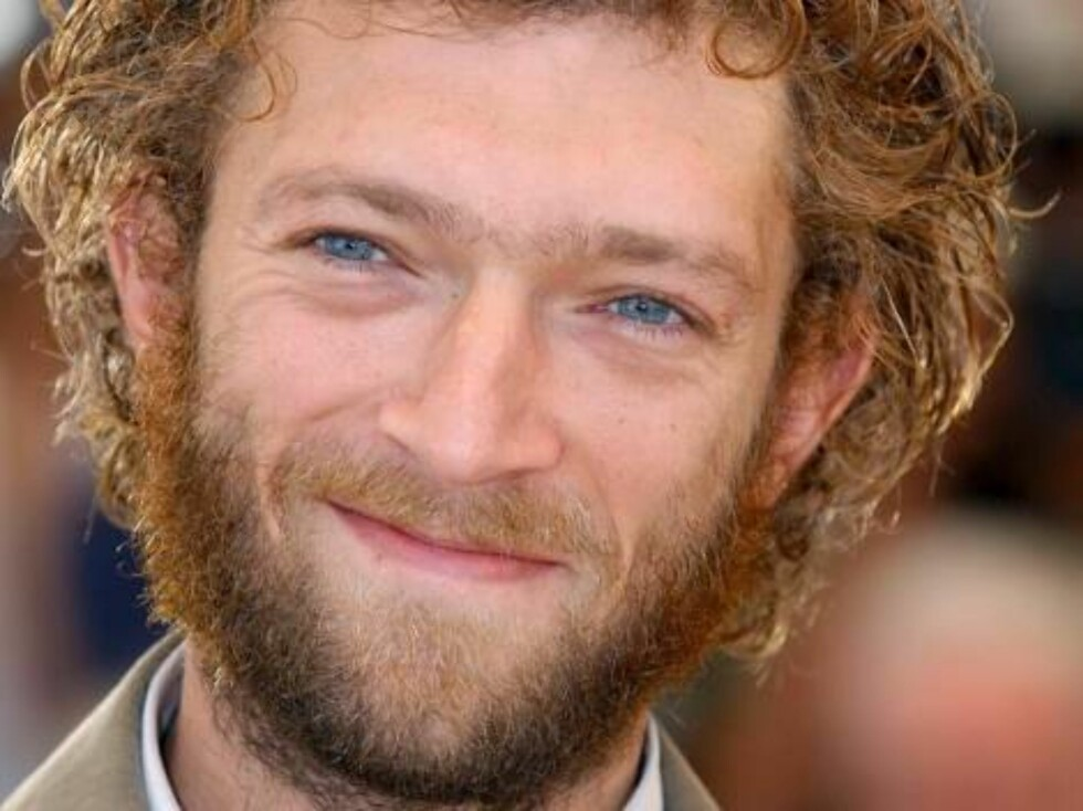 Cannes-France, 24/5/2002.  Actor Vincent Cassel poses for photographers at a photocall for the  film 'Irreversible? directed by Gaspar Noe during the 55th Cannes Film Festival.Thema With or Without Beard.  Photo: Hahn-Nebinger-Petit/ABACA Code: 34999/4001 Foto: Stella Pictures