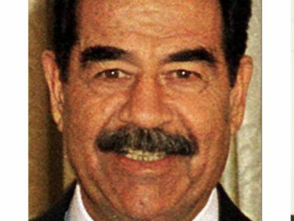 **FILE** Saddam Hussein is shown: at left, in a Jan. 17, 2001, file photo made from television during an address that was broadcast on Iraqi TV; at right,  in a July 1, 2004, file photo, in a courtroom at Camp Victory, a former Saddam palace on the outski Foto: AP/Scanpix