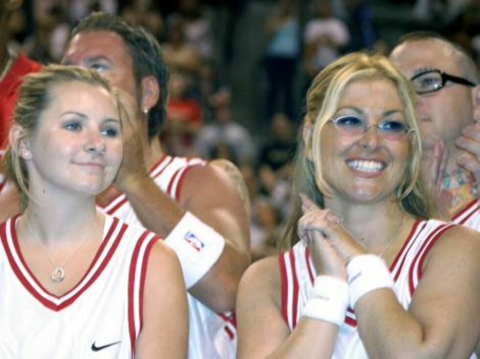 Skuespillerinnen Beverly Mitchel og popstjernen Anastacia skal spille basketball. Foto: All Over Press