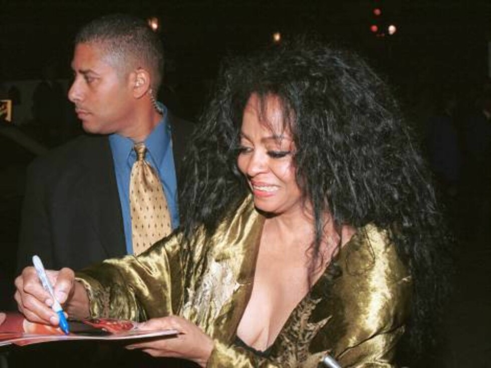 402972 09:  Actress Diana Ross signs autographs outside a celebrity party March 23, 2002 in Beverly Hills, CA.  (Photo by David Klein/Getty Images) ALL OVER PRESS Foto: Getty Images