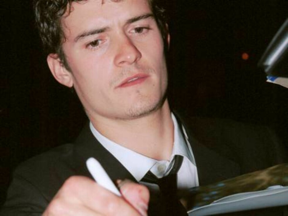 "402972 03:  Actor Orlando Bloom ""Lord of the Rings"" signs autographs at a celebrity party March 23, 2002 in Beverly Hills, CA.  (Photo by David Klein/Getty Images) / ALL OVER PRESS Foto: All Over Press"