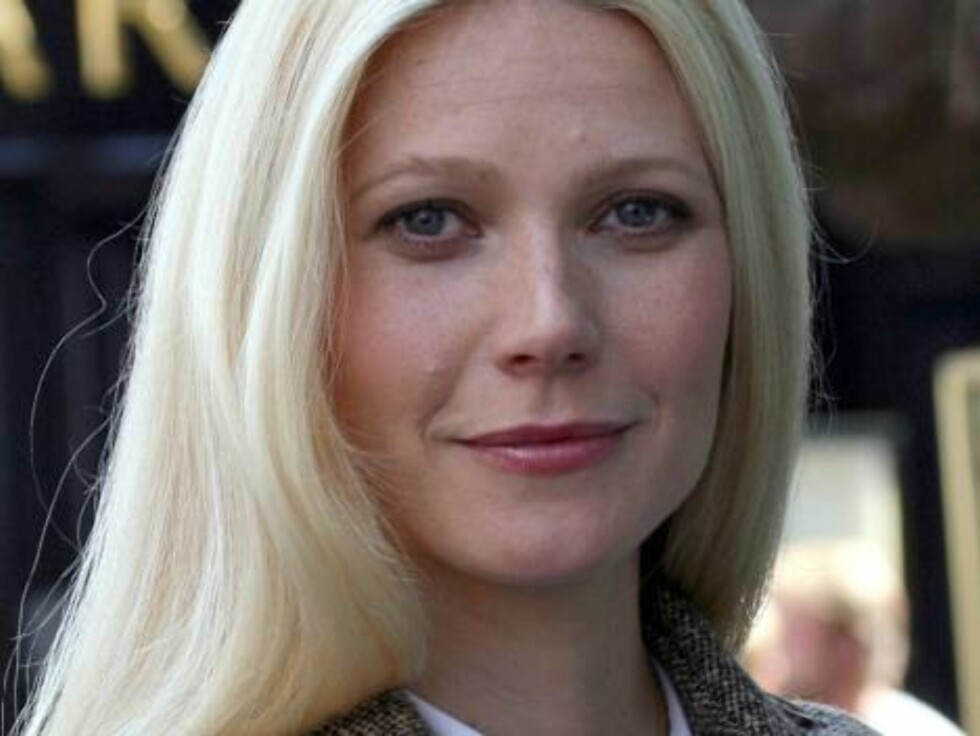 LONDON 2006-07-24.  Gwyneth Paltrow shooting a commercial for Korea-Sheperd's in London.  Photo: Eagle Eyes Code: 3010  COPYRIGHT STELLA PICTURES Foto: Stella Pictures