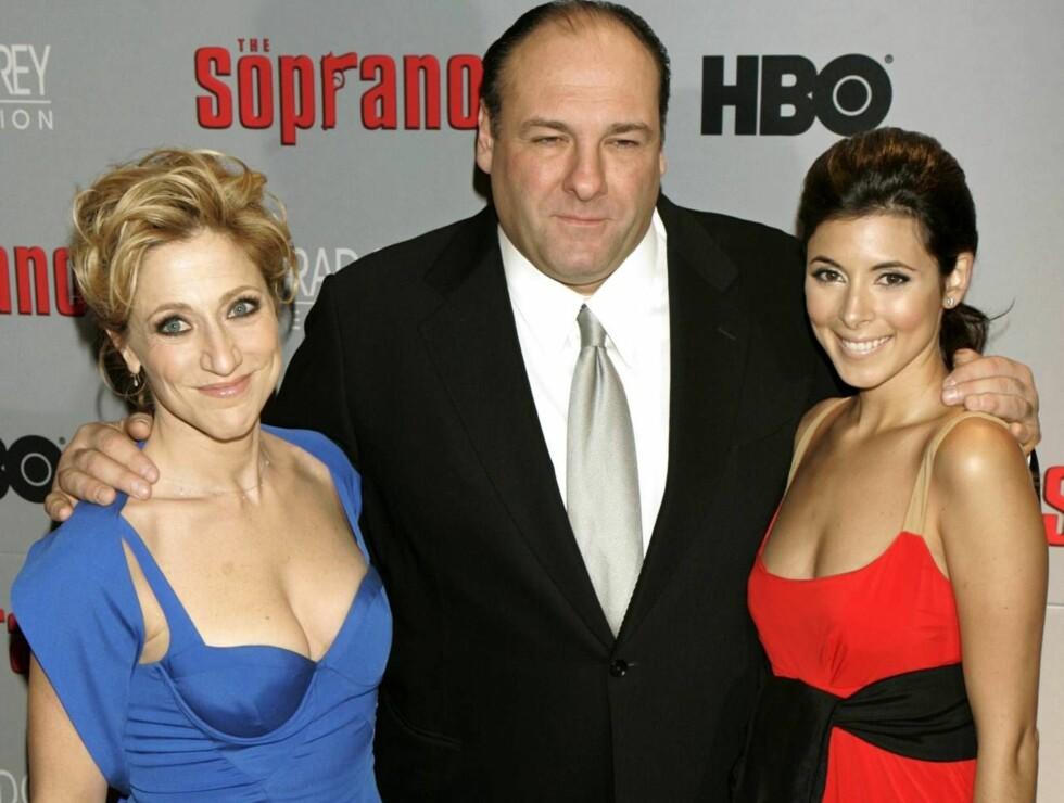 TV-FAMILIEN: Jamie-Lynn (t.h) med TV-foreldrene Tony Soprano (James Gandolfini) og Carmela Soprano (Edie Falco). Foto: AP