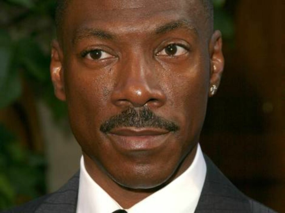 Eddie Murphy attends HollyRod's 7th Annual DesignCure Benefit Fashion Show and Silent Auction held at the home of Sugar Ray Leonard in Los Angeles, California on July 9, 2005  (Pictured:Eddie Murphy)   Photo: Amanda Parks/Abaca  Code:4001/A21391 COPYRIGHY Foto: Stella Pictures