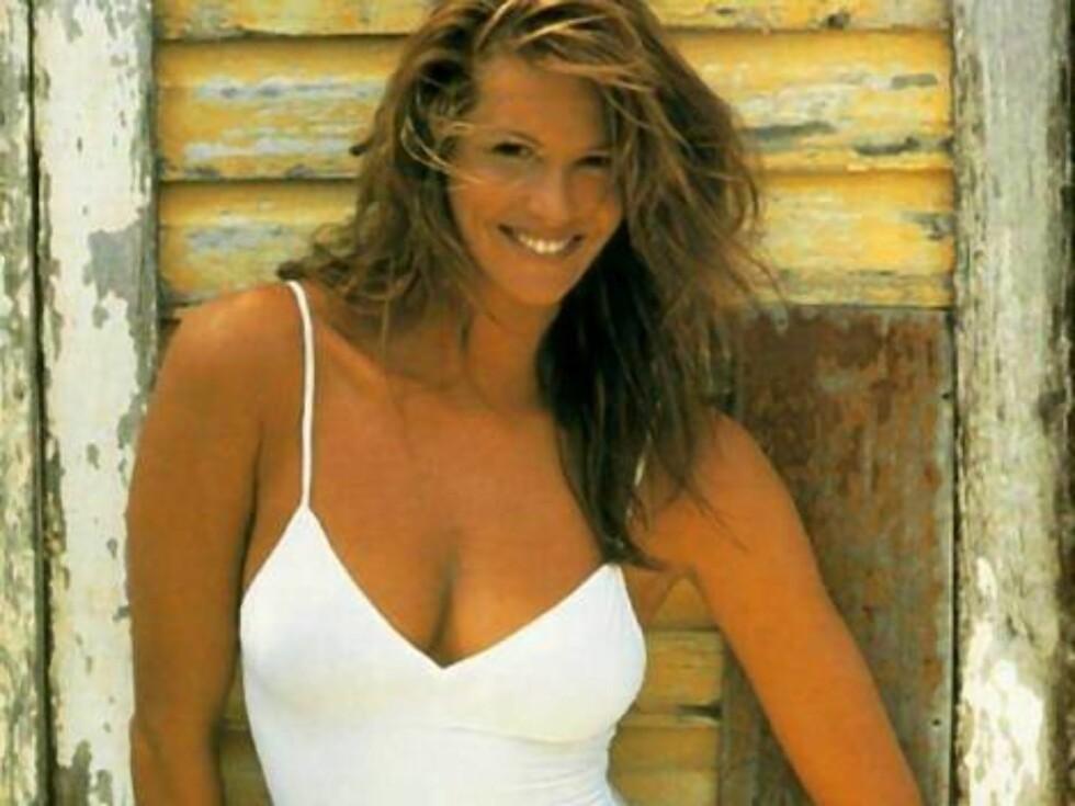 Elle i hvit badedrakt på 90-tallet. Foto: AP/Scanpix