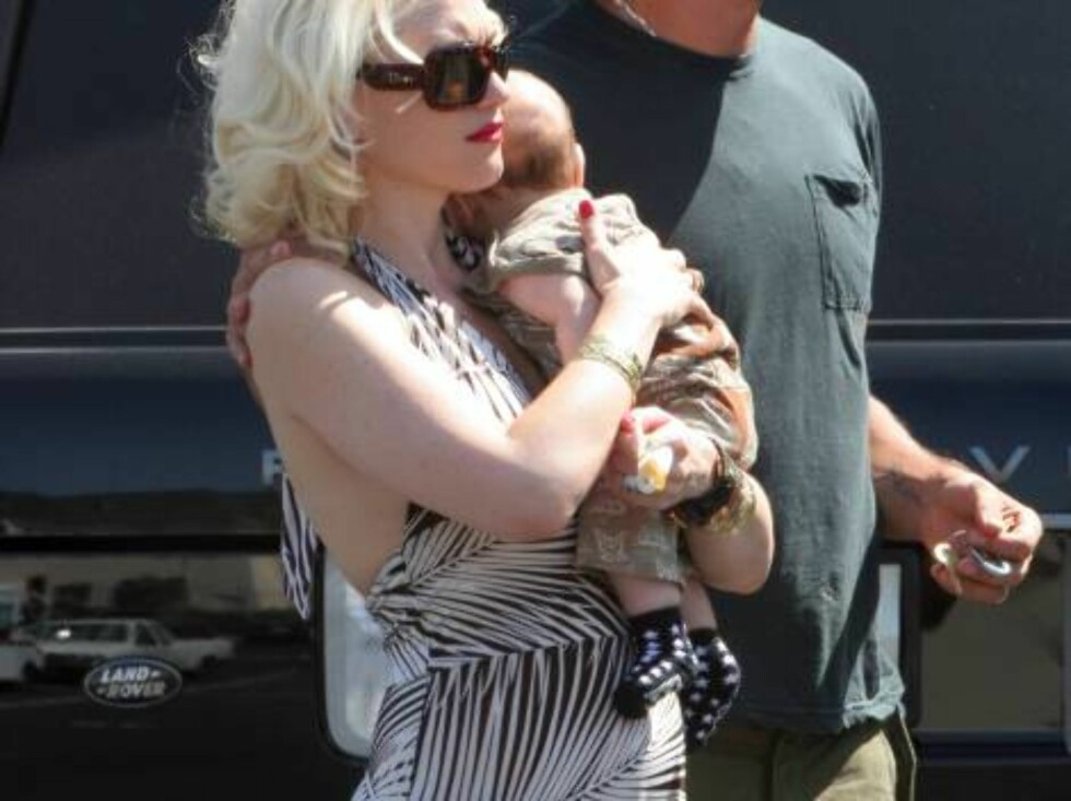 Gwen Stefani carrying baby Kingston to a studio in Burbank August 16, 2006 X17agency exclusive Foto: All Over Press