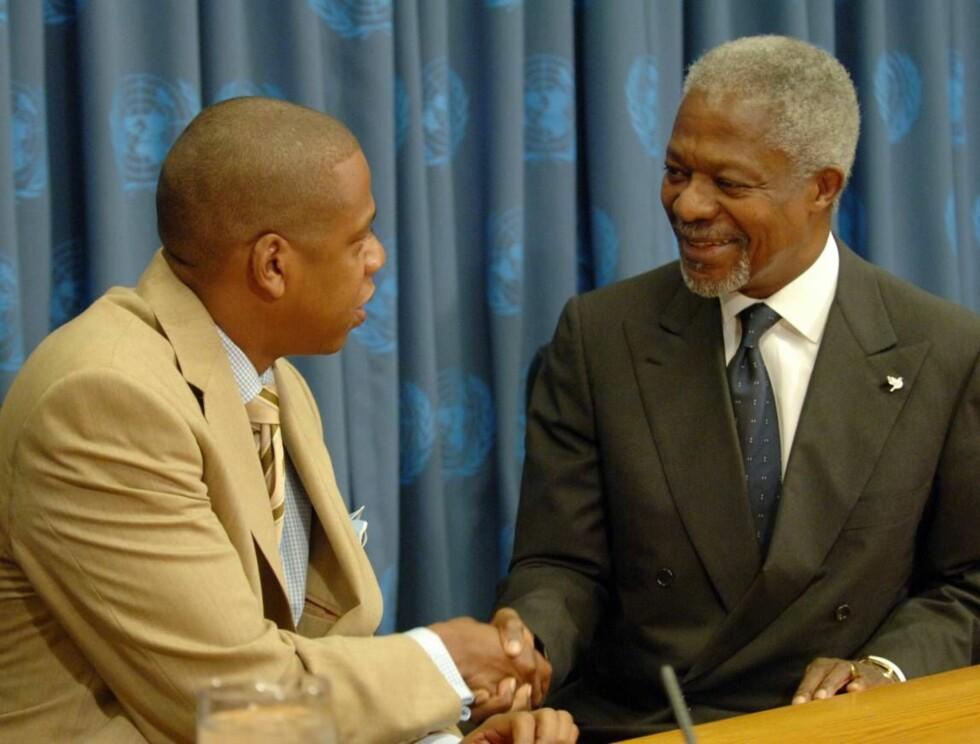 SLAPPET AV MED KOFI: Jay-Z har fått støtte fra FNs generalsekretær Kofi Annan til sitt nye prosjekt. Foto: AP