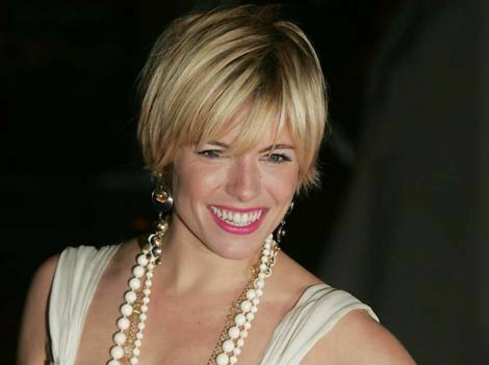 British actress Sienna Miller arrives at a Leicester Square cinema in London, Monday, Feb. 13, 2006, for the premiere of her latest film 'Casanova'. (AP Photo/Paul Ashby) Foto: AP/Scanpix