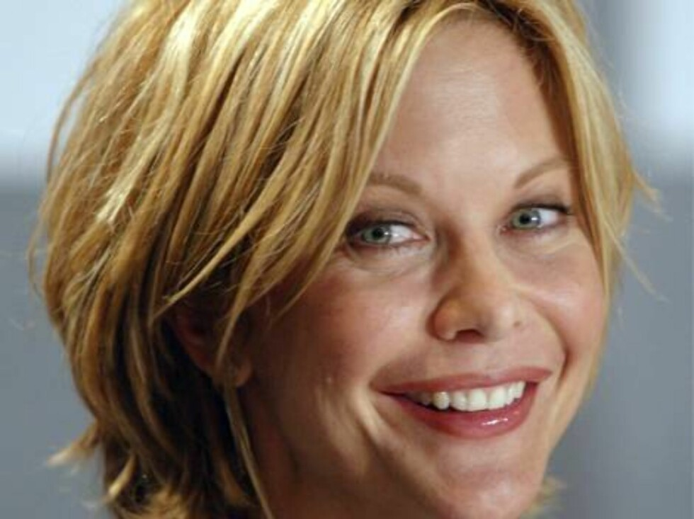 """Meg Ryan smiles during a press conference to promote her film """"In the Cut"""" at the Toronto International Film Festival in Toronto on Tuesday September 9, 2003. Ryan stars in Jane Campion's thriller as an emotionally detached writer caught up in a gruesome Foto: AP/Scanpix"""