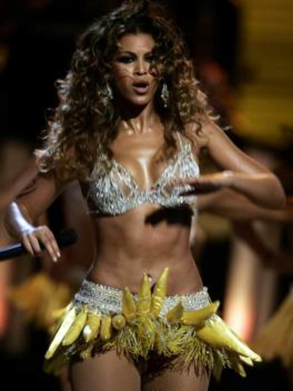 4. plass: Popstjernen Beyoncé er til og med rå i et bananskjørt! Foto: AP/Scanpix