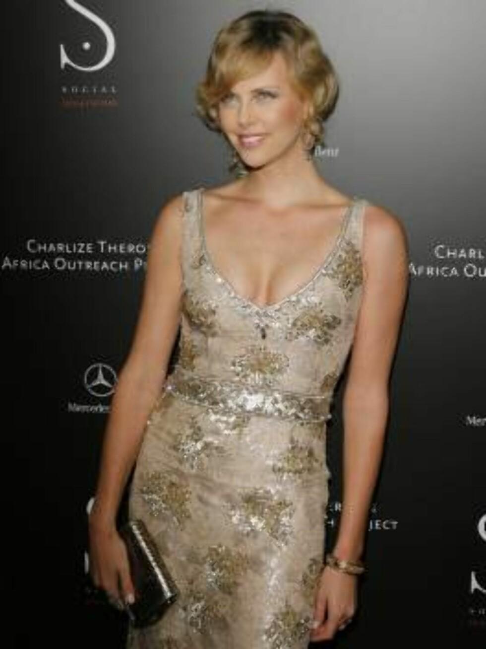 6. plass: Oscar-vinneren Charlize Theron er naturlig vakker. Foto: AP/Scanpix