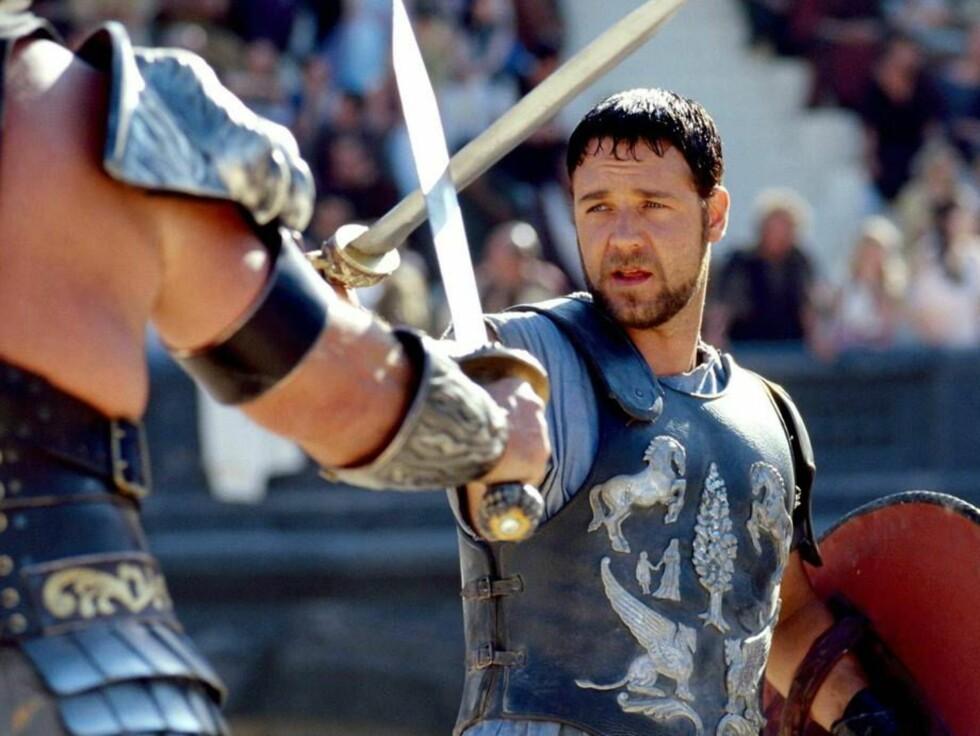 SLÅSSKJEMPE: Russell Crowe håper å stå opp fra de døde. Foto: All Over Press