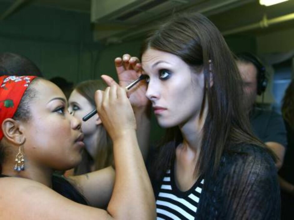 NEW YORK - SEPTEMBER 10:  Models prepare backstage at the Luella Bartley Spring 2007 fashion show at Sony Music Studios during Olympus Fashion Week September 10, 2006 in New York City.  (Photo by Scott Wintrow/Getty Images)  * SPECIAL INSTRUCTIONS:  * *OB Foto: All Over Press