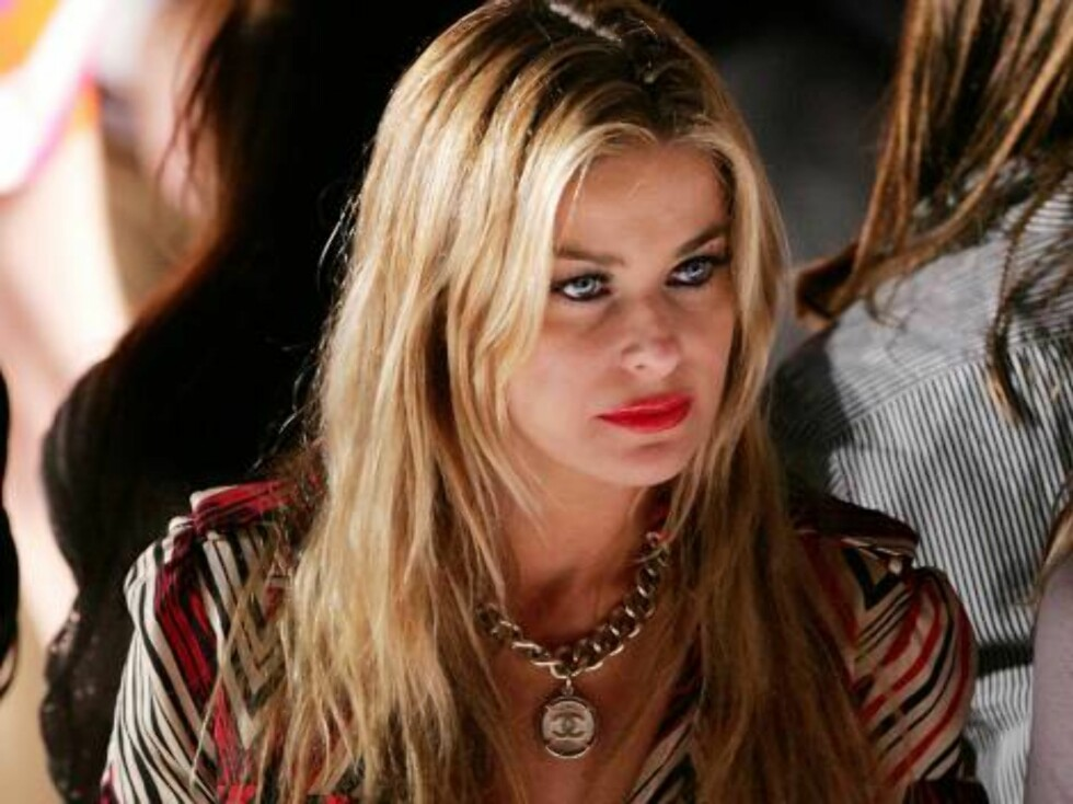 NEW YORK - SEPTEMBER 10:  Actress Carmen Electra sits in the front row at the Diane Von Furstenberg Spring 2007 fashion show during Olympus Fashion Week at the Tent in Bryant Park September 10, 2006 in New York City.  (Photo by Peter Kramer/Getty Images F Foto: All Over Press