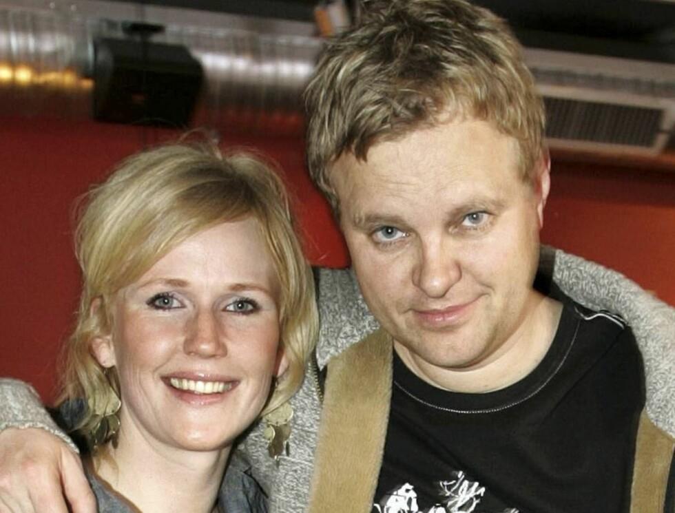 GIFTEKLARE: TV 2-komiker Kjetil Hasselberg og Vibeke Lund er klare for bryllup. Etter det Se og Hør erfarer skal paret bli smidd i Hymens lenker i oktober.  Foto: Geir Egil Skog, frilansfoto.no
