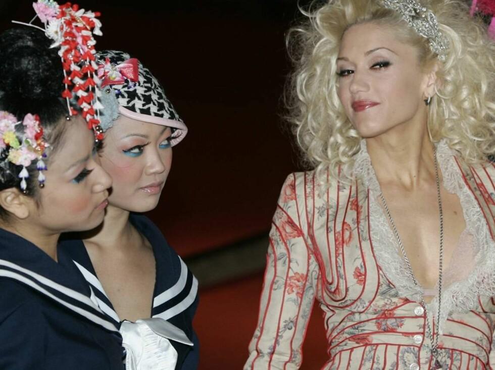DANSERNE: Gwen har gjort stor suksess med sine Harajuku-jenter. Nå skal stilen deres gå over i dukkeform! Foto: AP/Scanpix