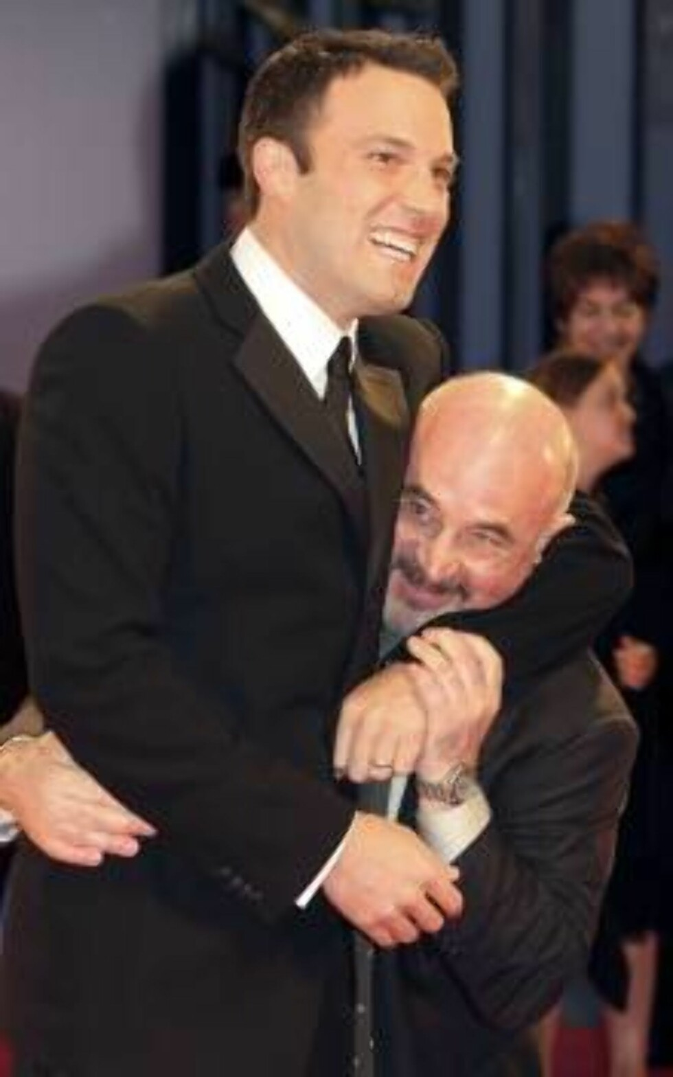 VENICE, ITALY - AUGUST 31:  Actors Ben Affleck and Bob Hoskins attends the Premiere of 'Hollywoodland' on the second day of the 63rd Venice Film Festival on August 31, 2006 in Venice, Italy.  (Photo by Elisabetta Villa/Getty Images) *** Local Caption *** Foto: All Over Press